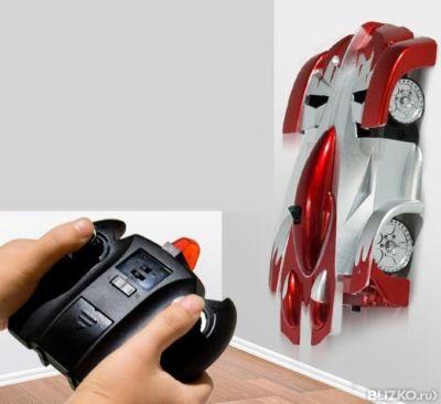 Машинка игрушка, которая быстро ходит по стенам и по полу.